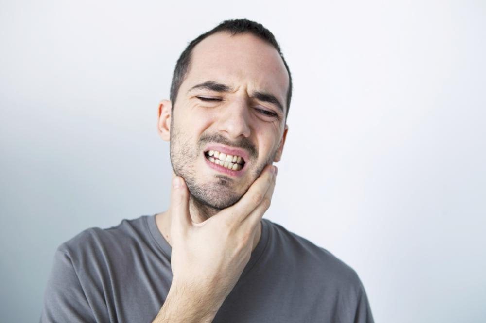 Man in pain | Emergency Dentist Alpharetta